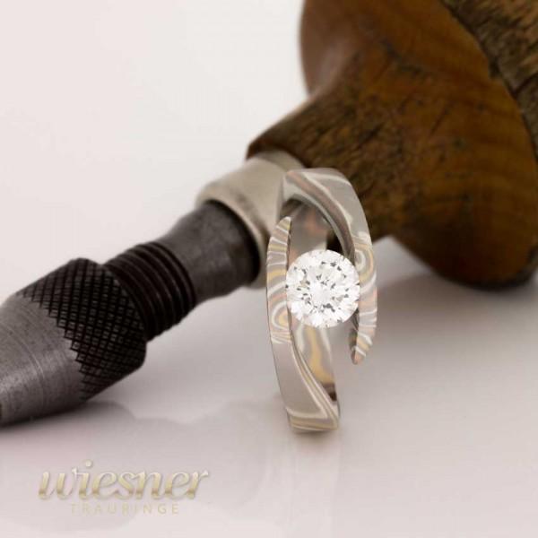 Verlobungsring Hanzu | Diamant | 0,25Kt. | 0,50Kt. | Mokume Gane Jacaranda
