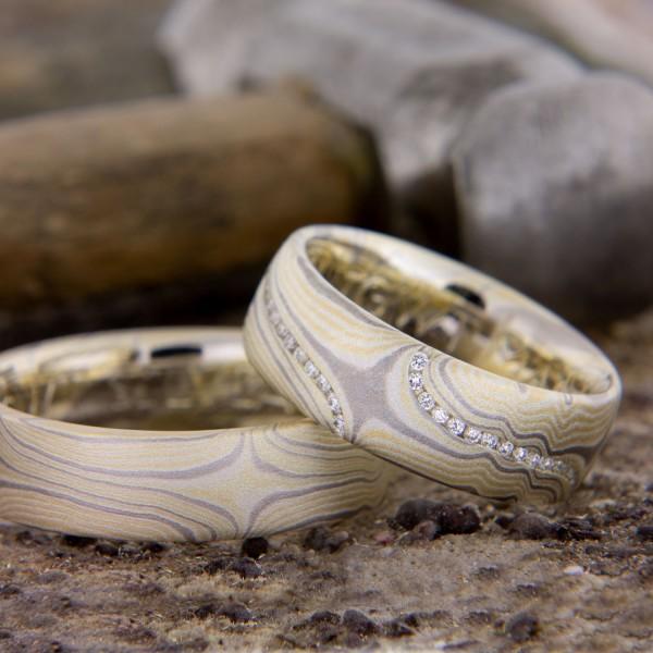 Jabin Mokume Gane Ringe mit feinen Diamanten ausgefasst